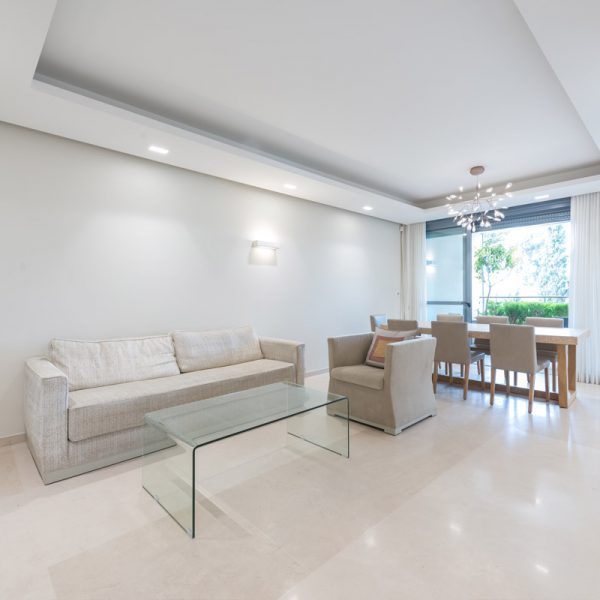 Vacation Apartement in Baka. Design: Sharonne Turen